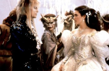 jennifer-connelly-and-david-bowie-in-labyrinth-1986-movie-image-2-e1412986623552